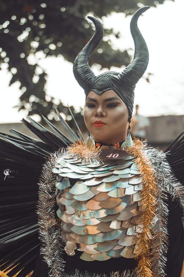 Nam sinh hoá trang thành ác nữ Maleficent xuất sắc từ ngoại hình đến thần thái: Dạt hết ra cho ta thể hiện! - Ảnh 3.
