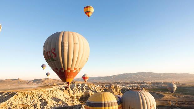 Loạt trải nghiệm cực đã của cô bạn người Việt tại Cappadocia (Thổ Nhĩ Kì): Ngủ trong hang, bay cùng khinh khí cầu, lái xe jeep qua thung lũng - Ảnh 12.