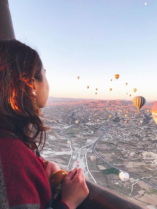 Loạt trải nghiệm cực đã của cô bạn người Việt tại Cappadocia (Thổ Nhĩ Kì): Ngủ trong hang, bay cùng khinh khí cầu, lái xe jeep qua thung lũng - Ảnh 13.