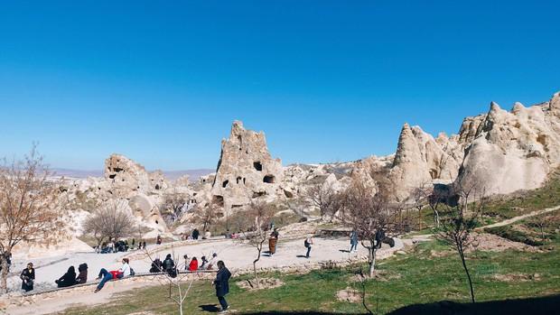 Loạt trải nghiệm cực đã của cô bạn người Việt tại Cappadocia (Thổ Nhĩ Kì): Ngủ trong hang, bay cùng khinh khí cầu, lái xe jeep qua thung lũng - Ảnh 16.