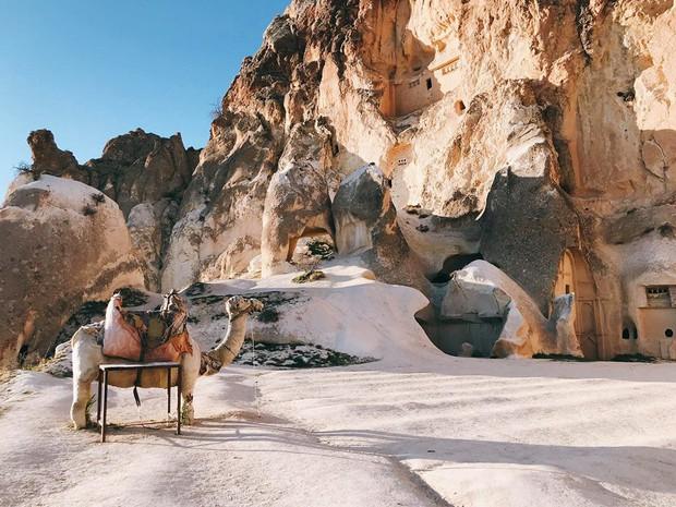 Loạt trải nghiệm cực đã của cô bạn người Việt tại Cappadocia (Thổ Nhĩ Kì): Ngủ trong hang, bay cùng khinh khí cầu, lái xe jeep qua thung lũng - Ảnh 17.