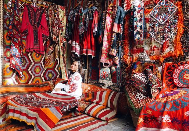Loạt trải nghiệm cực đã của cô bạn người Việt tại Cappadocia (Thổ Nhĩ Kì): Ngủ trong hang, bay cùng khinh khí cầu, lái xe jeep qua thung lũng - Ảnh 7.