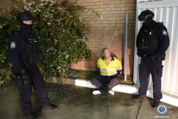 Australia bắt giữ hai đối tượng âm mưu đánh bom xe để trả thù cá nhân - Ảnh 1.