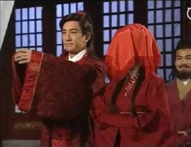 Trương Vô Kỵ gây tranh cãi vì dám... cười trong lễ cưới với Chu Chỉ Nhược - Ảnh 11.