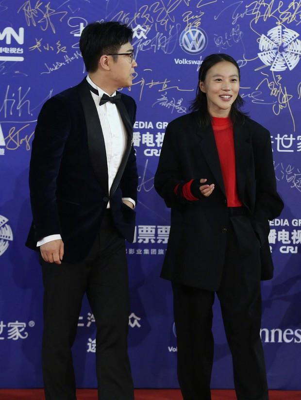 Bế mạc LHP Bắc Kinh: Bạn gái Luhan hoá công chúa yêu kiều, Đồng Lệ Á gây bão dù không đi thảm đỏ - Ảnh 11.