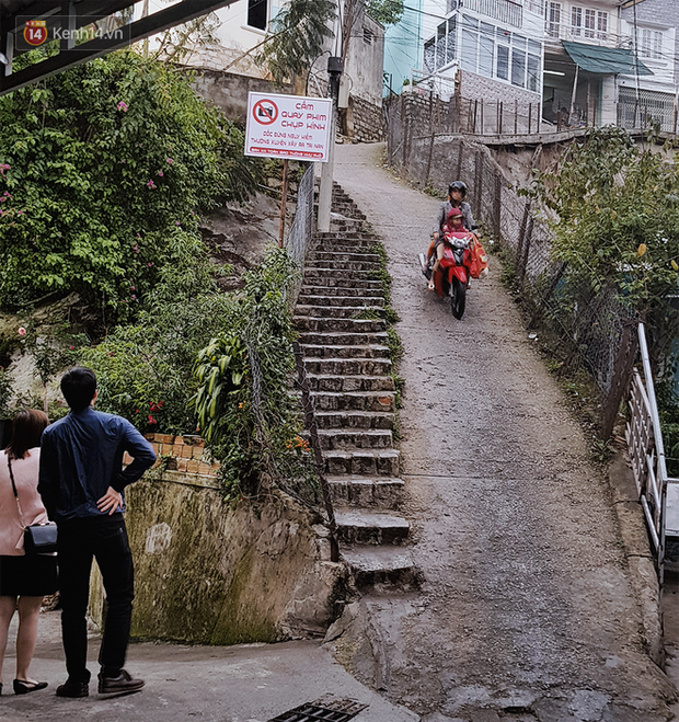 Người dân sống gần con dốc hot nhất Đà Lạt lên tiếng về tấm biển cấm quay phim chụp hình: Một ngày 4 vụ tai nạn xảy ra - Ảnh 3.