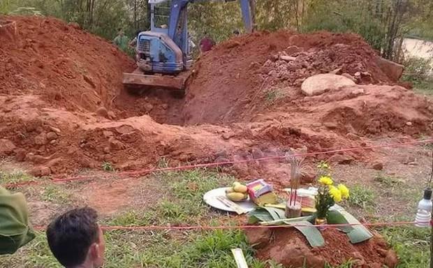 Thi thể phụ nữ cuốn chăn nằm dưới giếng hoang, nghi là người đã mất tích bí ẩn 2 tháng trước - Ảnh 1.