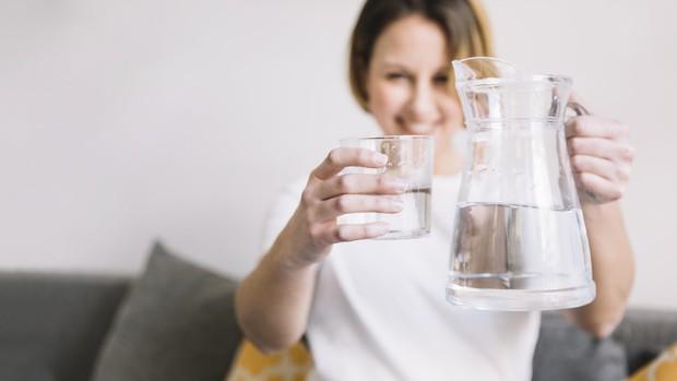 Chỉ mất 3 giây: chuyên gia chỉ cách tự kiểm tra cơ thể đủ nước hay thiếu nước trong mùa hè - Ảnh 5.