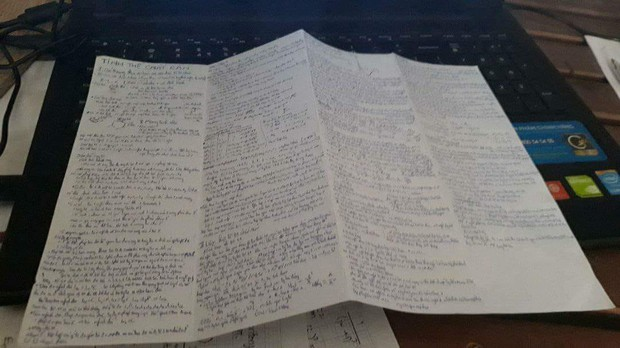 Giáo viên cho mang 1 tờ giấy ghi kiến thức vào phòng thi, ai ngờ sinh viên chép sương sương cũng được cả quyển sách! - Ảnh 10.