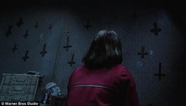 Không chỉ Anabelle, nhà ngoại cảm có thật trong The Conjuring còn lật tung cả giới tâm linh bằng 6 tình tiết chấn động - Ảnh 11.