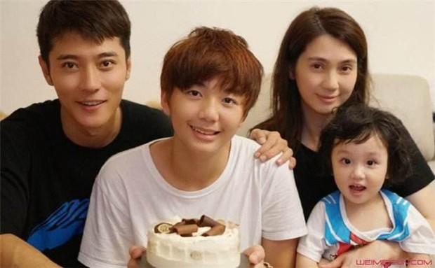 5 trai hư vướng án ngoại tình của làng phim Hoa ngữ: Kẻ bị vợ bắt gian tại nhà, gã tanh bành sự nghiệp - Ảnh 18.