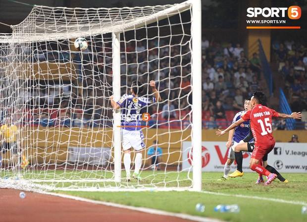 Quang Hải ăn mừng ngạo nghễ như Ronaldo sau khi ghi bàn nhấn chìm Hải Phòng - Ảnh 10.