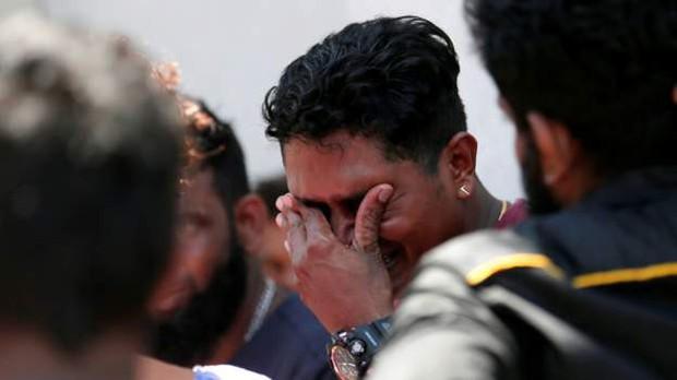 Đột kích bắt giữ 7 nghi phạm đầu tiên trong các vụ đánh bom khiến ít nhất 207 người chết ở Sri Lanka - Ảnh 3.