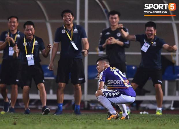 Quang Hải ăn mừng ngạo nghễ như Ronaldo sau khi ghi bàn nhấn chìm Hải Phòng - Ảnh 2.