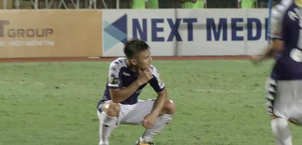Quang Hải ăn mừng ngạo nghễ như Ronaldo sau khi ghi bàn nhấn chìm Hải Phòng - Ảnh 3.