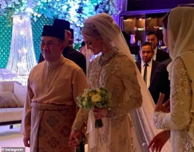 Nối gót Quốc vương, Thái tử Malaysia kết hôn với người đẹp Thuỵ Điển - Ảnh 2.