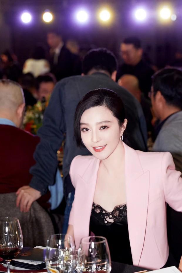 Phạm Băng Băng vừa tái xuất, Trương Hinh Dư đã vội cò kè đáp trả bằng loạt ảnh khi đã làm mẹ - Ảnh 1.