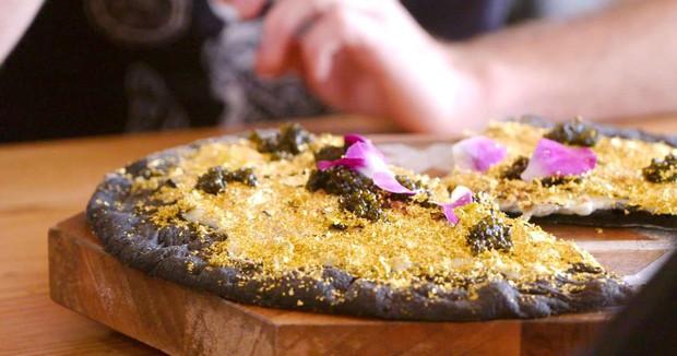 Top 4 chiếc pizza nổi tiếng không phải vì hương vị mà vì... quá đắt - Ảnh 2.
