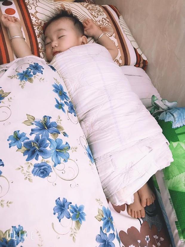 Lâm Khánh Chi hạnh phúc với khoảnh khắc chồng trẻ lo từng miếng ăn giấc ngủ cho con trai - Ảnh 2.