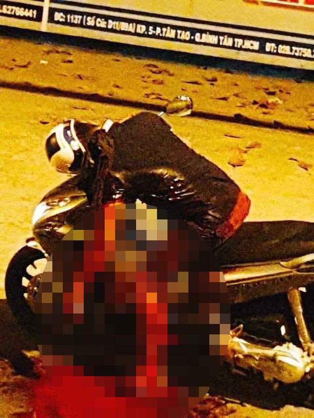 Va chạm giao thông ở Sài Gòn, nam thanh niên bị 2 đối tượng đâm tử vong - Ảnh 1.