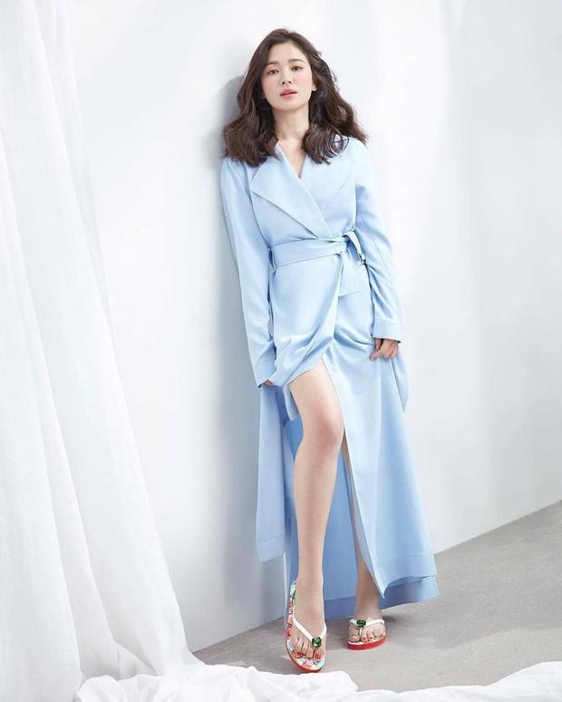 Vừa bị chê già, Song Hye Kyo dập lại bằng bộ ảnh tạp chí gây ngỡ ngàng: 38 tuổi mà trẻ đẹp, body nuột như gái 20 - Ảnh 7.