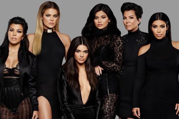 """Kendall Jenner - chân dài nổi tiếng nhà Kim """"siêu vòng 3"""" : Người """"đánh cắp"""" trái tim cháu trai độc tôn của cố Tổng thống Mỹ - Ảnh 4."""