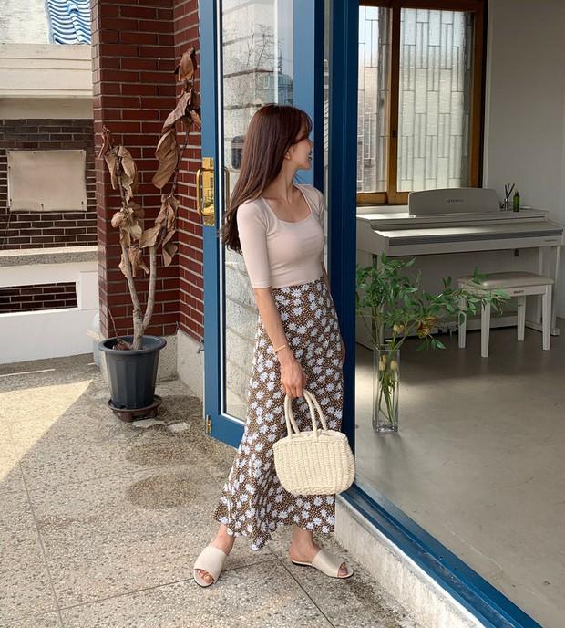 Sao có thể đi qua mùa hè mà thiếu đi chân váy? Và đây là 5 gợi ý xinh đẹp mát mẻ bạn nên sắm ngay - Ảnh 1.