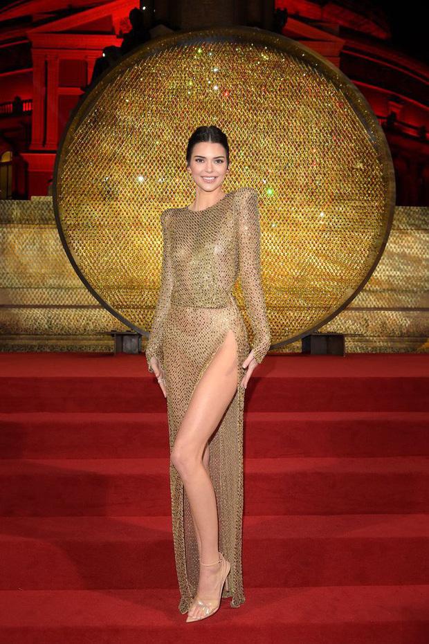 """Kendall Jenner - chân dài nổi tiếng nhà Kim """"siêu vòng 3"""" : Người """"đánh cắp"""" trái tim cháu trai độc tôn của cố Tổng thống Mỹ - Ảnh 13."""