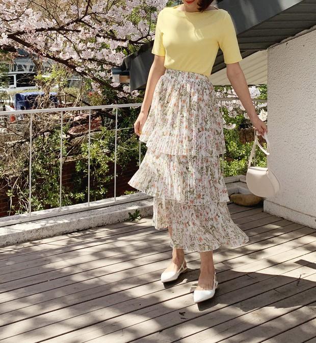 Sao có thể đi qua mùa hè mà thiếu đi chân váy? Và đây là 5 gợi ý xinh đẹp mát mẻ bạn nên sắm ngay - Ảnh 8.