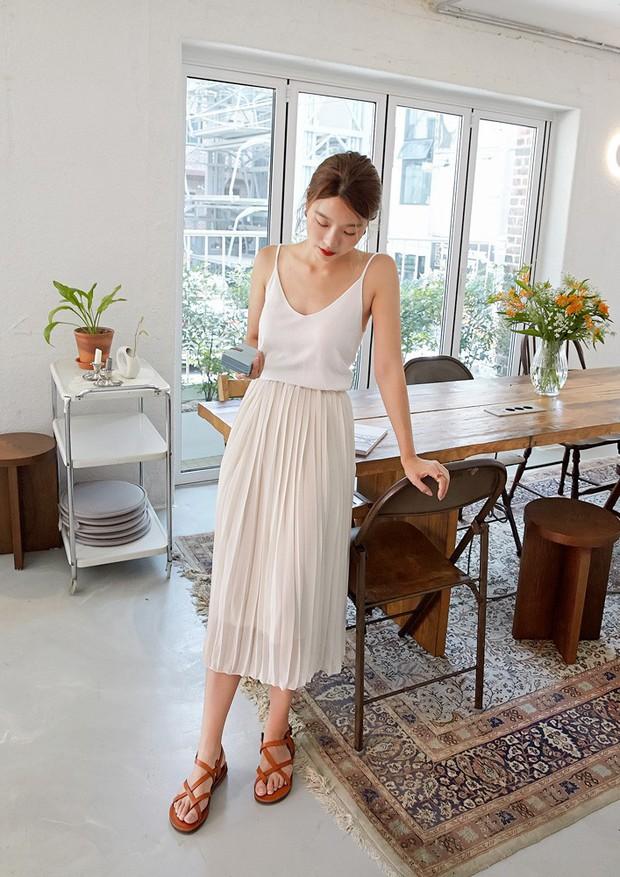 Sao có thể đi qua mùa hè mà thiếu đi chân váy? Và đây là 5 gợi ý xinh đẹp mát mẻ bạn nên sắm ngay - Ảnh 12.