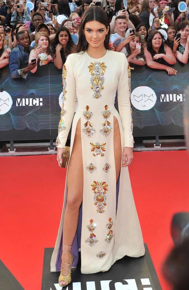 """Kendall Jenner - chân dài nổi tiếng nhà Kim """"siêu vòng 3"""" : Người """"đánh cắp"""" trái tim cháu trai độc tôn của cố Tổng thống Mỹ - Ảnh 5."""
