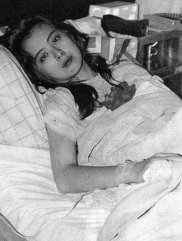 Bức ảnh chụp Ngọc nữ số 1 Hong Kong Vương Tổ Hiền lúc ốm nặng bất ngờ gây sốt vì quá tuyệt sắc - Ảnh 2.