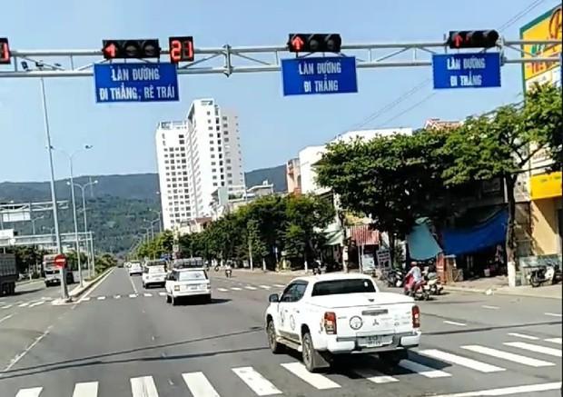 Sẽ cấm kiểm định đoàn siêu xe Trung Nguyên nối đuôi nhau vượt đèn đỏ ở Đà Nẵng - Ảnh 1.