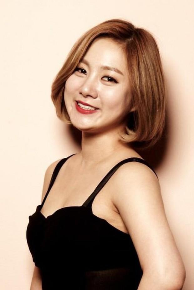 Nữ diễn viên hài lẫy khi không ai nhận ra cô nhỏ tuổi hơn Dara! - Ảnh 4.