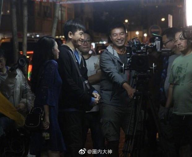 Á hậu lẳng lơ nhất Hong Kong Huỳnh Tâm Dĩnh sau scandal: Trốn biệt trong nhà, khóc lóc suy sụp tinh thần - Ảnh 7.