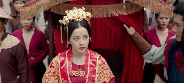 HOT: Chi Pu hoá thân cô Cám, kể chuyện tình tay 4 với nhiều ẩn khuất dằng xé trong MV Ballad cổ trang mới - Ảnh 4.
