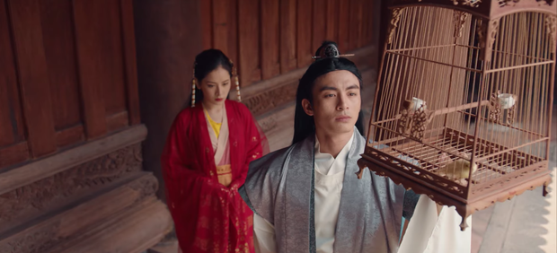 HOT: Chi Pu hoá thân cô Cám, kể chuyện tình tay 4 với nhiều ẩn khuất dằng xé trong MV Ballad cổ trang mới - Ảnh 5.