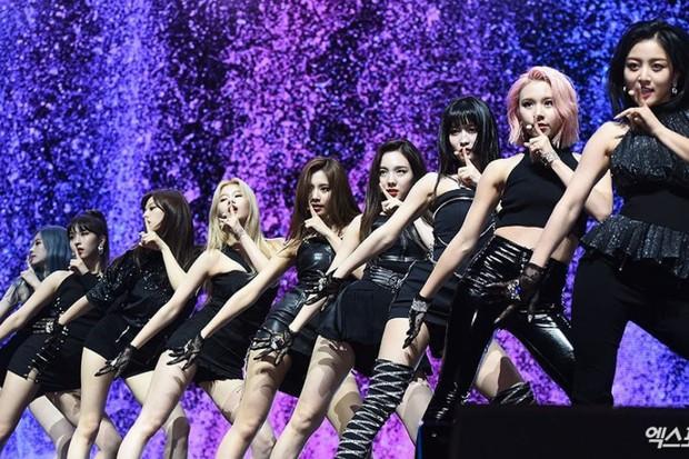 Kết quả màn comeback của TWICE sau 24 giờ: View Youtube thất thế trước BTS, BLACKPINK nhưng điều này mới gây tiếc nuối - Ảnh 8.