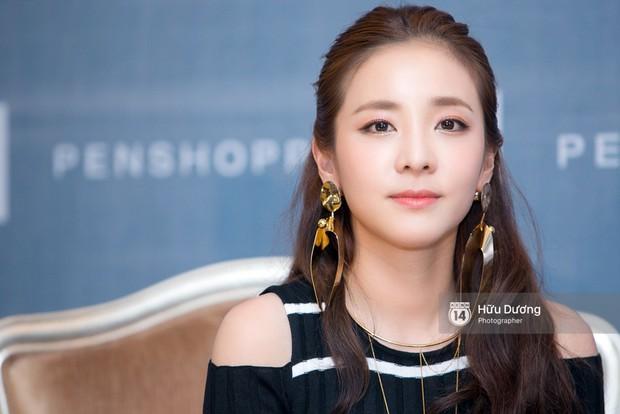 Nữ diễn viên hài lẫy khi không ai nhận ra cô nhỏ tuổi hơn Dara! - Ảnh 2.