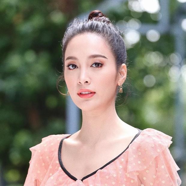 Dàn mỹ nhân, tiểu thư tài phiệt showbiz Thái du lịch Việt Nam: Biến TP.HCM, Đà Nẵng và các địa điểm đẹp như phim - Ảnh 43.