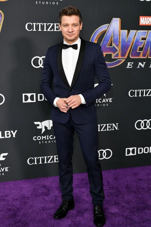 Siêu thảm tím Avengers: Endgame hot nhất 2019: Dàn sao Marvel sang chảnh, vợ chồng Miley Cyrus chiếm trọn spotlight - Ảnh 24.