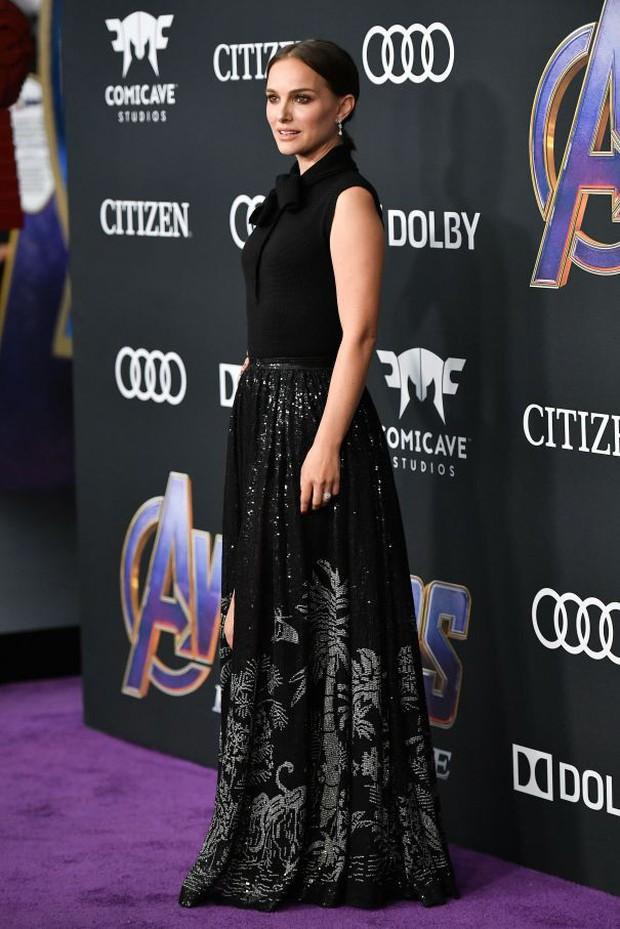 Siêu thảm tím Avengers: Endgame hot nhất 2019: Dàn sao Marvel sang chảnh, vợ chồng Miley Cyrus chiếm trọn spotlight - Ảnh 28.