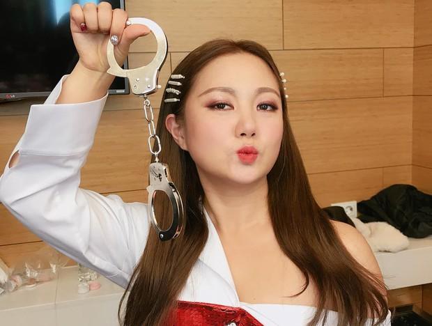 Nữ diễn viên hài lẫy khi không ai nhận ra cô nhỏ tuổi hơn Dara! - Ảnh 5.