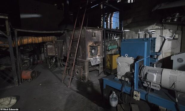 Bên trong nhà máy chế bom mẹ của quỷ Satan của khủng bố ở Sri Lanka - Ảnh 7.