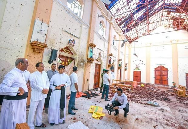 Đã có 359 người thiệt mạng trong các vụ nổ liên tiếp ở Sri Lanka  - Ảnh 1.