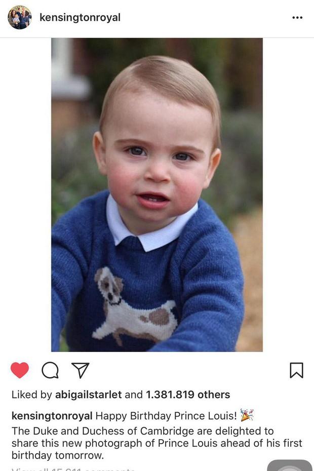 """Điều thú vị về 2 chiếc áo Hoàng tử út mặc trong ảnh mừng sinh nhật: Một chiếc được thừa kế"""", một chiếc lại tức tốc cháy hàng chỉ sau 1 ngày - Ảnh 3."""