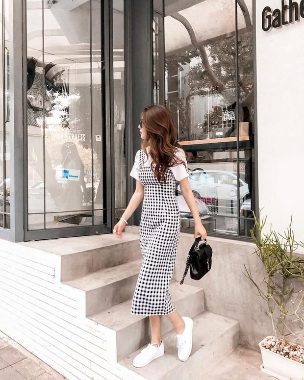Tiện một công ngắm 15 set đồ từ street style Châu Á, các nàng lên luôn được danh sách các món cần sắm hè này - Ảnh 6.