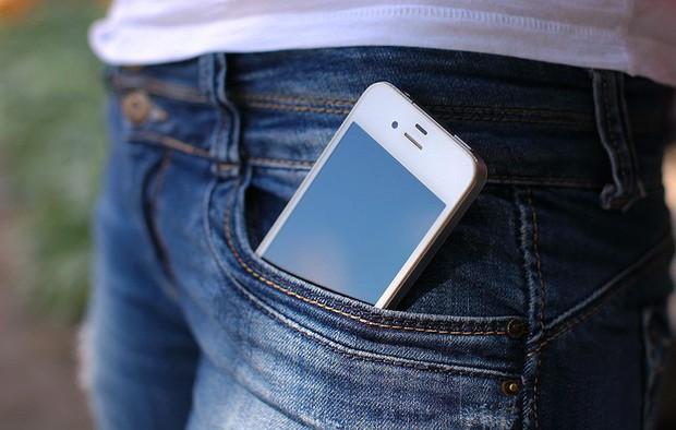 Cất điện thoại ở những vị trí này vô tình gây ra nhiều vấn đề mà bạn chẳng ngờ tới - Ảnh 1.
