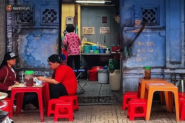 Điểm danh những món ăn nổi tiếng dưới 30k gắn liền với các địa điểm ở Sài Gòn - Ảnh 11.
