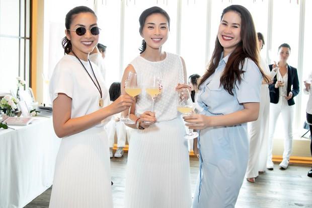Hà Tăng diện sắc trắng nền nã, rạng rỡ hội ngộ Ngô Thanh Vân, Đông Nhi cùng dàn mỹ nhân Vbiz - Ảnh 4.